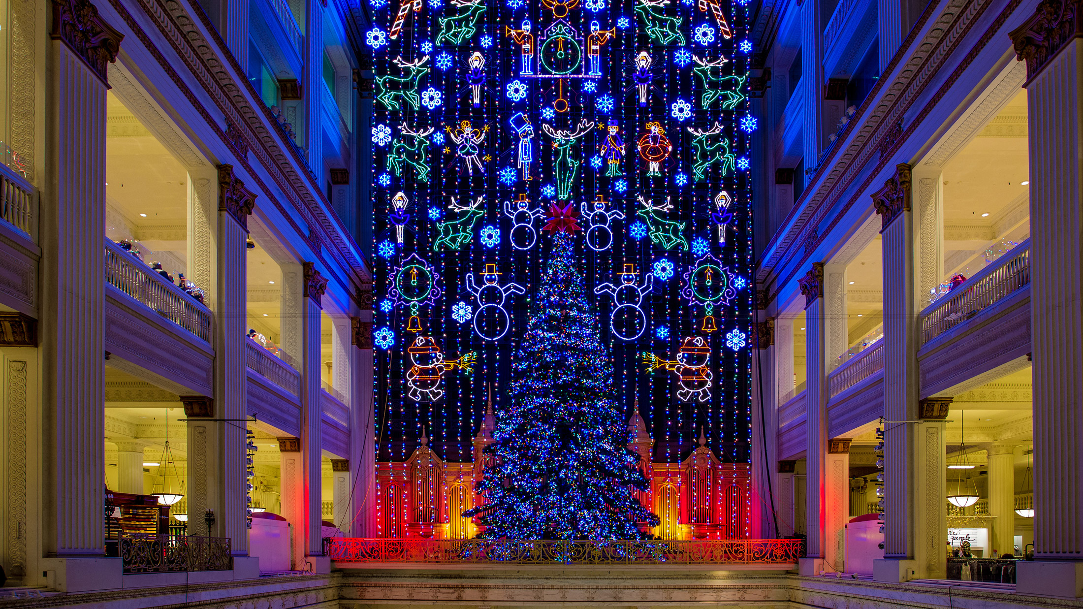 Macy's Christmas Light Show at Macy's Center City — Visit Philadelphia